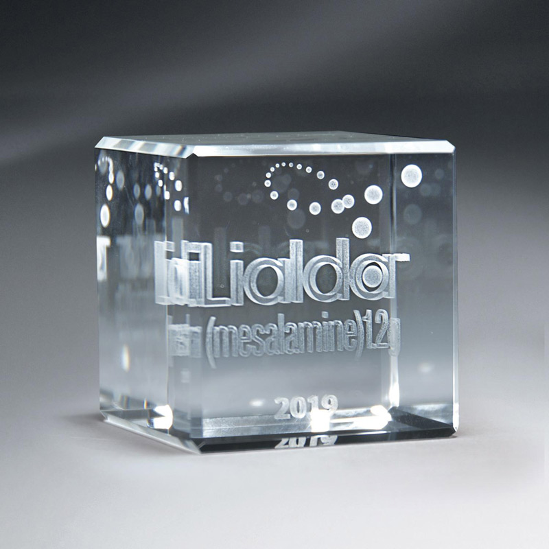3D Etched Crystal Cube (lrg)