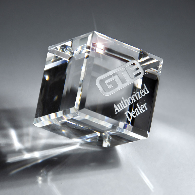 Optic Clear Crystal Cube (med)